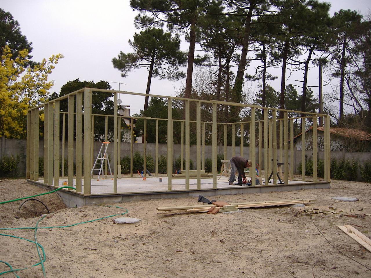 Construction de l ossature bois sur place d une for Construction maison 60m2