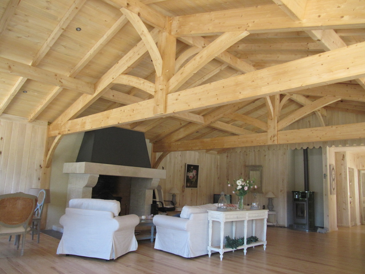 Int rieur bois volige peuplier massif sanitoit for Idee decoration interieur maison bois