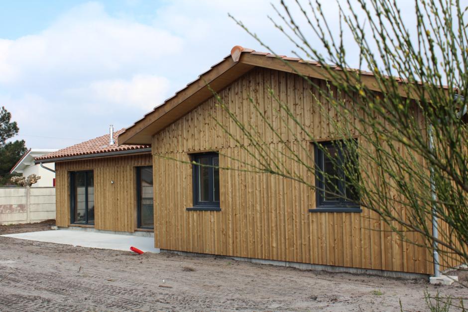 création d'une maison de 150m2, volige couvre joint en épicéa, clouage inox