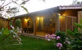 Création de deux gites en bois de 110m2. Bardage intérieur en volige couvre-joint.
