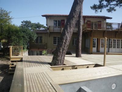Terrasse en pin sur deux niveaux